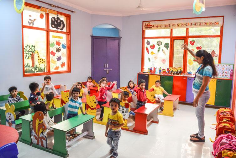 Nursery-Class-Preschool-in-Paschim-Vihar-Eden-castle-Preschool