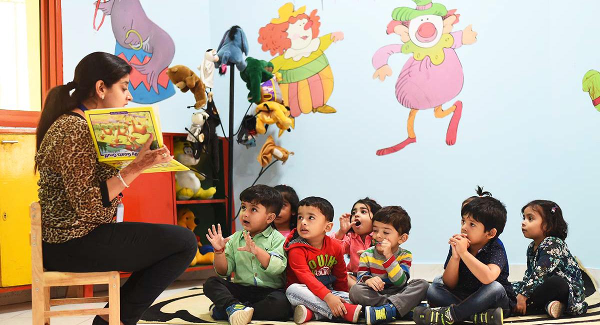 Storytelling-Sessions-for-Children-Eden-Castle-Preschool-Paschim-Vihar